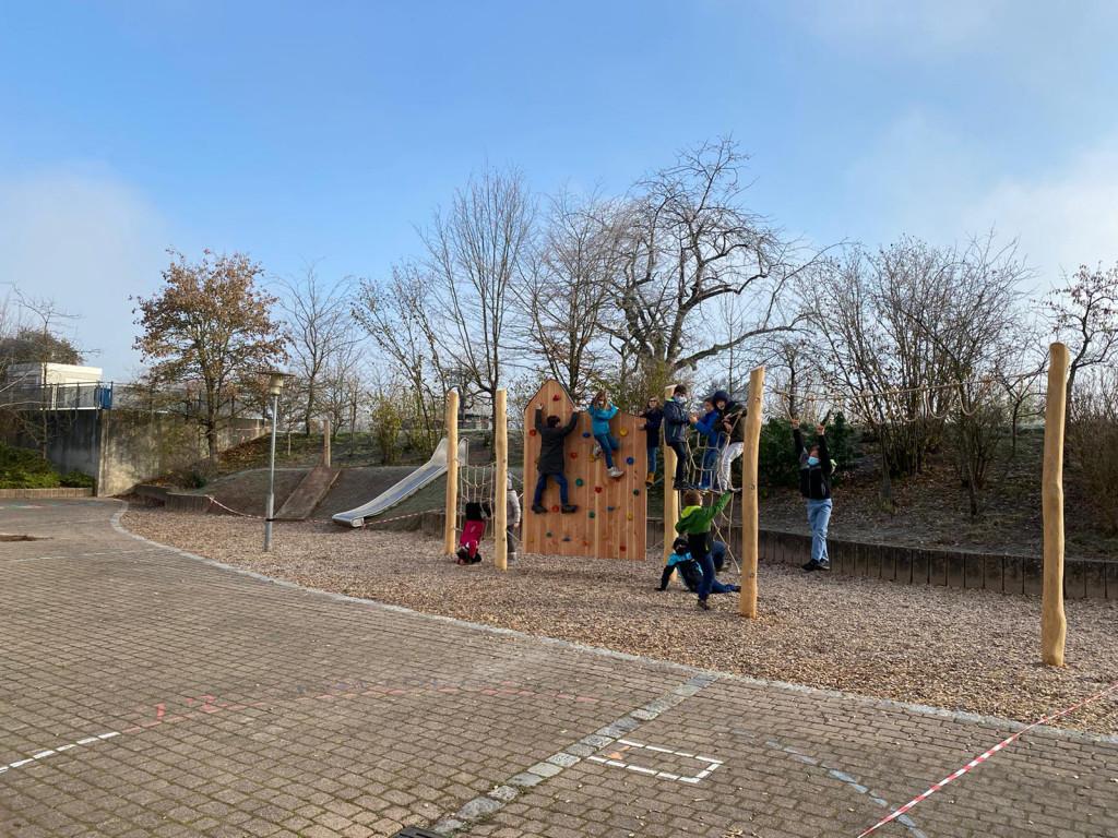 Klettergerüst an der Astrid-Lindgren-Schule in Iffezheim